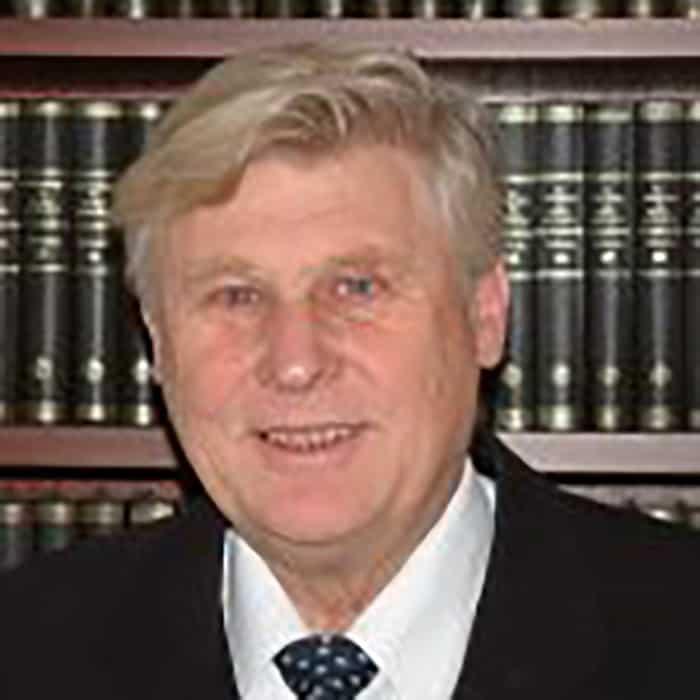 Dr. Schlüter